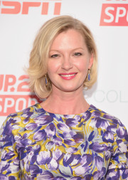 Gretchen Mol looked darling with her asymmetrical bob at the Up2Us Sports celebration.