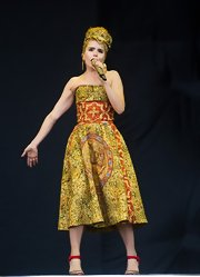 Paloma Faith showed off her unique style per usual with this cool mosaic-print strapless dress.