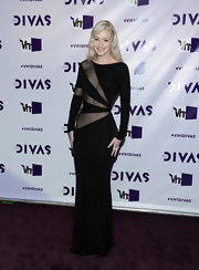 Iggy had fun with mesh in this daring black gown at VH1 Divas.
