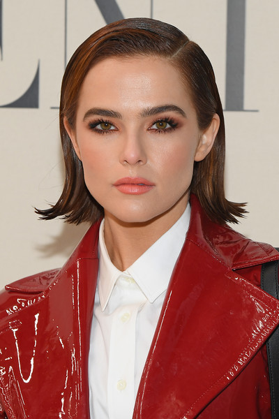 Zoey Deutch looked so cute wearing this short side-parted 'do with flipped ends at the Valentino Fall 2020 show.