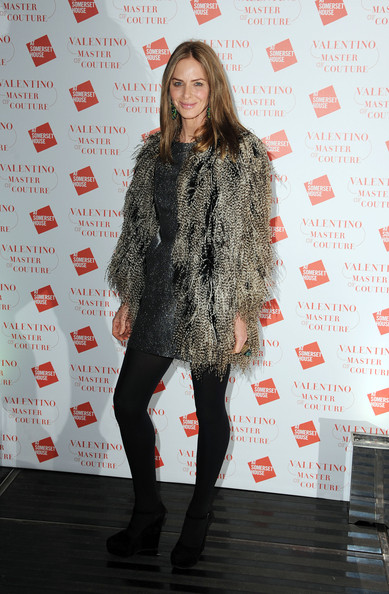 More Pics of Trinny Woodall Long Center Part (1 of 3) - Trinny Woodall Lookbook - StyleBistro