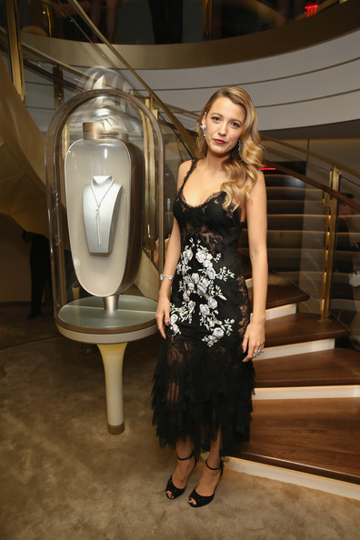 More Pics of Blake Lively Diamond Chandelier Earrings (1 of 21) - Chandelier Earrings Lookbook - StyleBistro