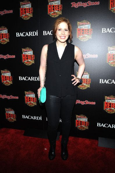 Vanessa Bayer Clothes
