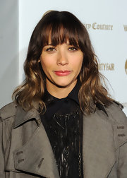 Rashida Jones wore her wavy tresses in soft layers with lash-grazing bangs at the 'Vanity Fair' and Juicy Couture 20th Anniversary Party.