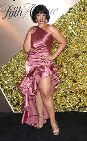 Dascha Polanco teamed her frock with nude T-strap sandals by Christian Louboutin.