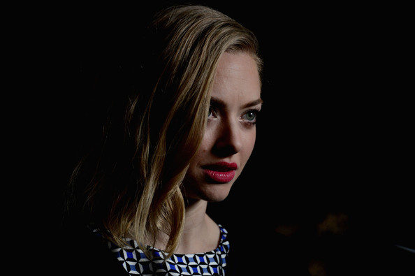 More Pics of Amanda Seyfried Print Dress (1 of 8) - Print Dress Lookbook - StyleBistro