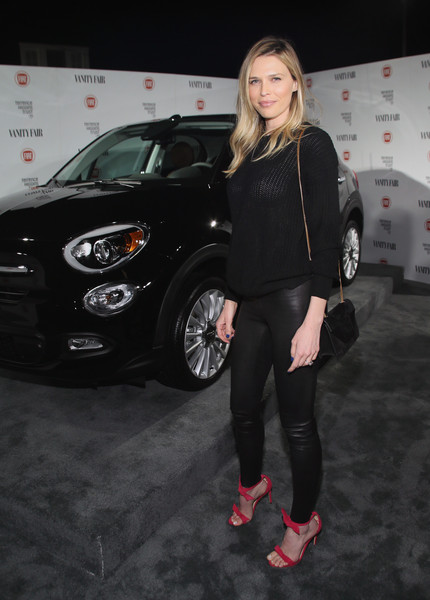 Sara Foster was casual yet stylish in a black knit sweater during the Fiat Young Hollywood celebration.