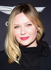 Kirsten Dunst styled her shoulder-length hair with just a slight wave for Vanity Fair's celebration of 'Hidden Figures.'