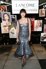 Rumer Willis cut a shapely silhouette in an ice-blue mermaid-hem cocktail dress by Silvia Tcherassi at the Vanity Fair and Lancome Women in Hollywood event.