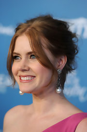 Actress Amy Adams arrived at Variety's 2nd Annual Power Of Women Luncheon wearing oxidized sterling silver multi-chain drop earrings with pave diamonds and pearls.