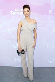 Angela Sarafyan teamed her outfit with a patchwork box clutch by Emm Kuo.