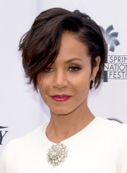 Jada Pinkett Smith's diamond brooch provided an ultra-glam finish.