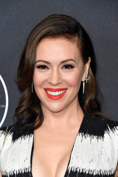 More Pics of Alyssa Milano Medium Wavy Cut (4 of 6) - Shoulder Length Hairstyles Lookbook - StyleBistro [hair,face,lip,hairstyle,eyebrow,chin,smile,beauty,nose,blond,arrivals,alyssa milano,power of women,variety,los angeles,beverly hills,california,beverly wilshire four seasons hotel]