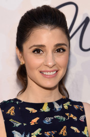 Shiri Appleby looked youthful and pretty with her wavy ponytail at the Variety Power of Women event.