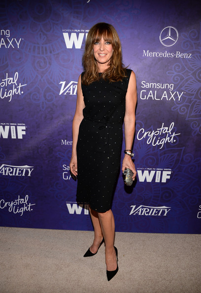 Allison Janney complemented her LBD with a sparkly beaded clutch.