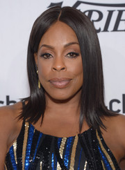 Niecy Nash was gorgeously coiffed with this sleek 'do with flippy ends at the Variety and Women in Film pre-Emmy celebration.