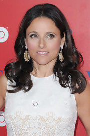 Julia Louis-Dreyfus accessorized with a charming pair of dangling gemstone earrings at the 'Veep' New York screening.