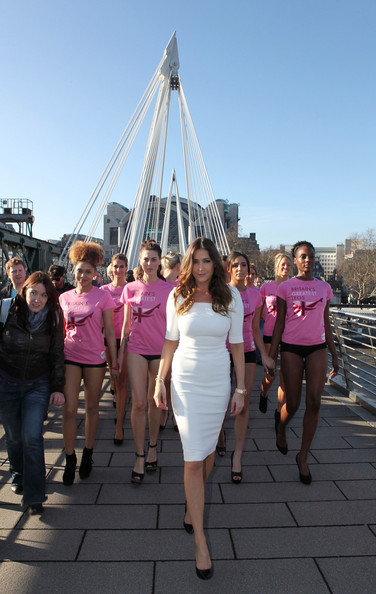 More Pics of Lisa Snowdon Day Dress (1 of 16) - Lisa Snowdon Lookbook - StyleBistro