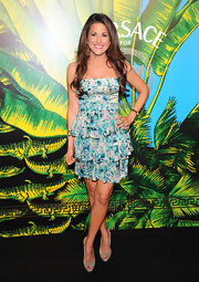 Gigi Stone paired her sweet floral dress with dazzling peep-toe slingbacks.