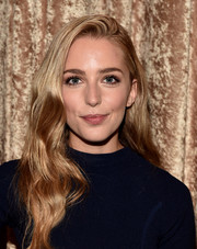 Jessica Rothe looked pretty with her long wavy hairstyle at the Viacom TCA Summer event.
