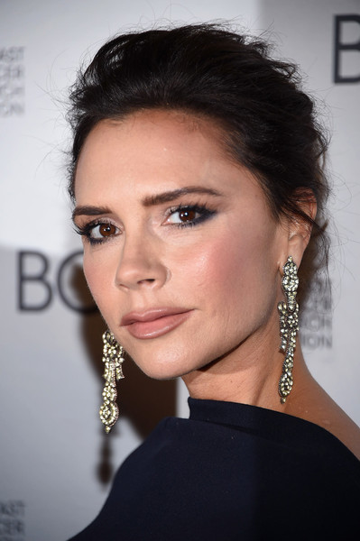 Victoria Beckham Diamond Chandelier Earrings [eyebrow,beauty,fashion model,jewellery,hairstyle,chin,eyelash,forehead,cheek,black hair,victoria beckham,new york city,park avenue armory,breast cancer research foundation,hot pink party,2017 hot pink party]