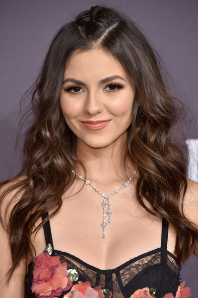 Victoria Justice Diamond Lariat Necklace