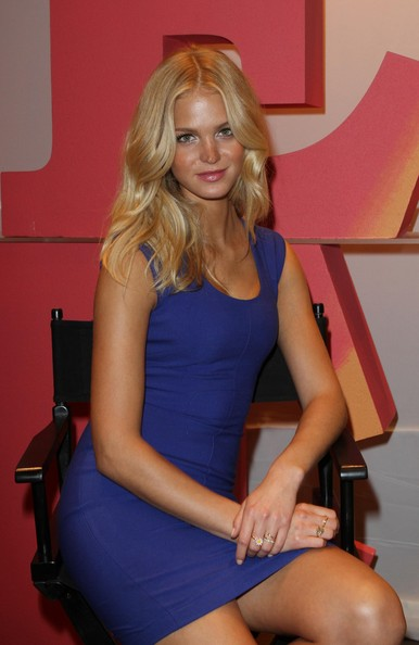 More Pics of Erin Heatherton Pink Lipstick (3 of 28) - Erin Heatherton Lookbook - StyleBistro