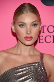 Elsa Hosk styled her hair into a classic center-parted updo for the Victoria's Secret viewing party.