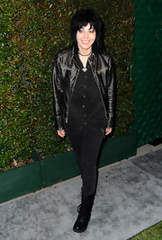 """Joan Jett did her signature rock look at the premiere of Paul McCartney's """"My Valentine"""" music video."""
