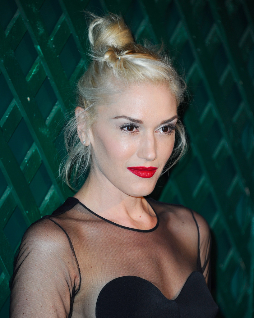 "Singer Gwen Stefani attends the world premiere of ""My Valentine"" video hosted by Paul McCartney and Stella McCartney on April 13, 2012 in West Hollywood, California."