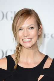 Karlie Kloss sported a casual side braid at the Vogue 100: A Century of Style event.