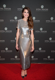 Allison Williams went for high shine in a form-fitting metallic dress by Diane von Furstenberg at the Voice of Solidarity 2016.