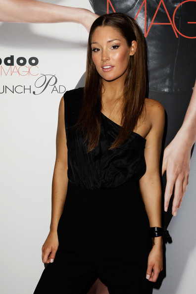 More Pics of Erin McNaught Long Center Part (1 of 13) - Long Center Part Lookbook - StyleBistro