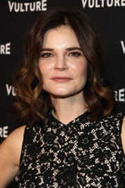 Betsy Brandt looked sweet and feminine with her piecey curls at the Vulture awards season party.