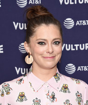 Rachel Bloom teamed her 'do with a pair of gold disc earrings.
