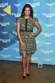 Andrea Navedo paired her lovely dress with embellished black pumps.