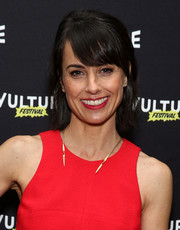 Constance Zimmer kept it simple with this short cut with bangs at the Vulture Festival.