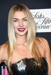 Jessica Hart showed off a stylish layered cut during WCRF's An Unforgettable Evening.