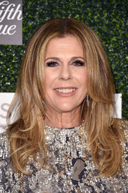 Rita Wilson attended WCRF's 'An Unforgettable Evening' event wearing her hair in flippy layers.