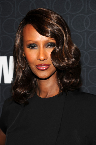 Iman showed off her retro waves while hitting the WWD Anniversary Gala.