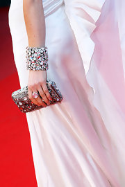 The most intricate feature of Hofit's premiere look was this glittering clutch.