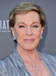 Julie Andrews kept it simple with this short side-parted hairstyle at the Disney Concert Hall 10th anniversary event.