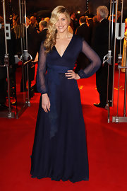 Francesca Hull struck a pose in this romantic floor-grazing gown at the 'War Horse' premiere in London.