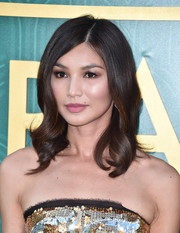Gemma Chan looked lovely with her perfectly styled waves at the premiere of 'Crazy Rich Asians.'