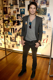 Ian Somerhalder paired a gray blazer over a classic tee for a casual but dressed up look.