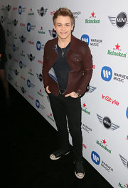 Hunter Hayes rocked black skinny jeans at a Grammy celebration.
