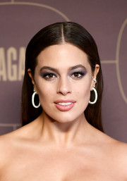 Ashley Graham went for a dazzling finish with a pair of oversized diamond hoops.