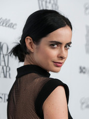 Krysten Ritter sported a messy-chic chignon at the Who What Wear event.