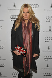 Jennifer Coolidge showed off her UK love with  British flag clutch.