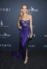 Petra Nemcova got decked out in a blue Marchesa one-shoulder gown with a beaded bodice for the Weinstein Company pre-Oscar dinner.